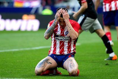 Giménez no sufrió lesión ósea en el pie y se tratará en el Atlético de Madrid