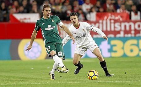 Adidas y New Balance serán historia en Betis y Sevilla, respectivamente.