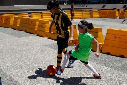 La Unesco lanza un estudio para promover el fútbol femenino