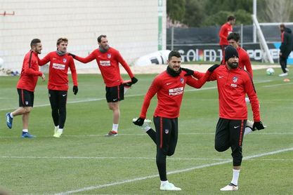 Carlos Isaac debuta con el Atlético; Mosquera y Çolak, en once del Deportivo