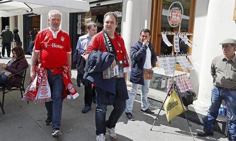 Los alemanes tiñen de rojo el centro histórico a la espera del partido