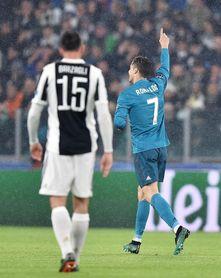 Cristiano pone en ventaja al Real Madrid al descanso