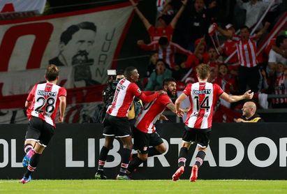 Estudiantes recibe al Santos en un duelo clave por el Grupo 6