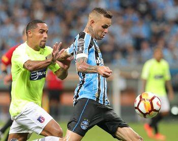 El campeón muestra autoridad, Palmeiras y Libertad marchan con paso perfecto