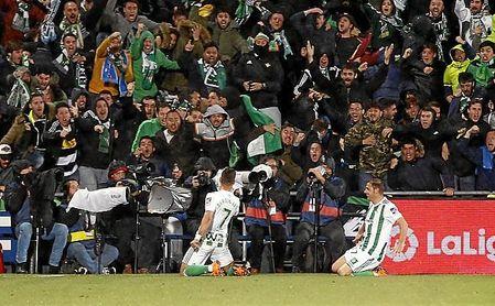 Las aficionados de Getafe y Betis realizaron cánticos ofensivos.