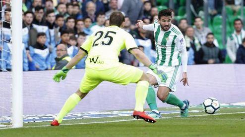 El lateral completó un buen partido, con asistencia incluida.