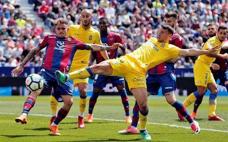 2-1. Un gol en la prolongación premia al Levante y hunde a Las Palmas