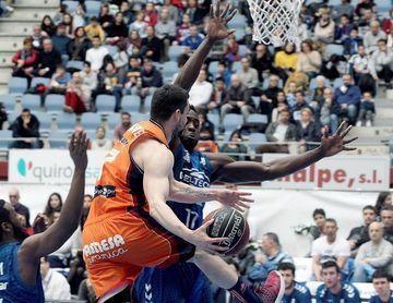 77-95. El Valencia Basket, con 22 triples, no encuentra rival en San Sebastián