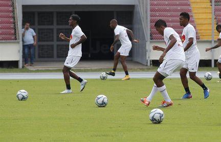 """""""Bolillo"""" Gómez escoge a sus jugadores para medirse a Trinidad y Tobago"""