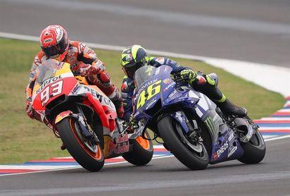La prensa italiana cierra filas en torno a Rossi tras la polémica con Márquez