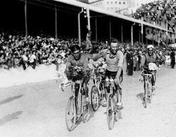 Un libro relata la historia del primer ganador de la Vuelta que trabajó en la NASA