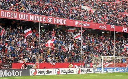 Imagen de la grada de Gol Norte en un partido en el Sánchez-Pizjuán.