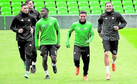 Sanabria, Fabián, Campbell, Rubén Castro y Joaquín, en un entrenamiento.