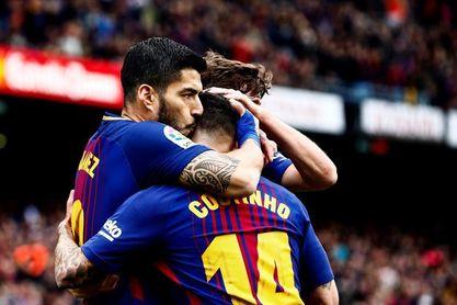 Un gol de Luis Suárez da ventaja al Barcelona tras el primer tiempo