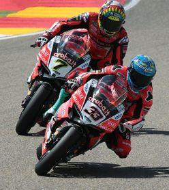 Davies gana la Carrera 2 en Aragón y cerca a Rea en el Mundial