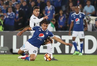 Corinthians viaja a Argentina con Jadson y a la espera de refuerzos