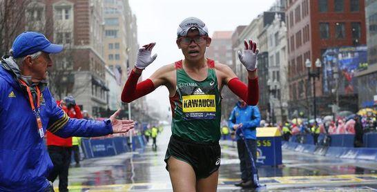 El japonés Kawauchi y la estadounidense Linden son los nuevos campeones del Maratón de Boston