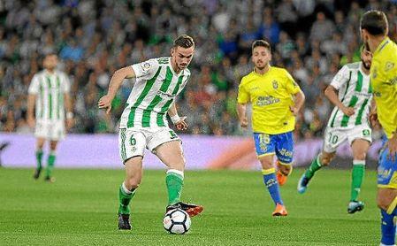 Fabián, en un lance del partido ante Las Palmas.