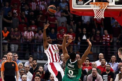 El Olympiacos iguala la serie ante un rocoso Zalgiris
