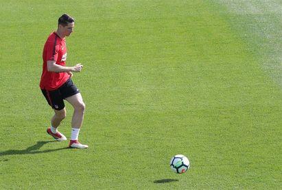 Gameiro vuelve a entrenarse con el grupo en una sesión sin Vitolo