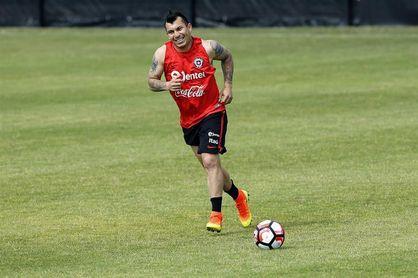 El histórico Gary Medel se destaca en la nómina de 27 jugadores de la selección chilena