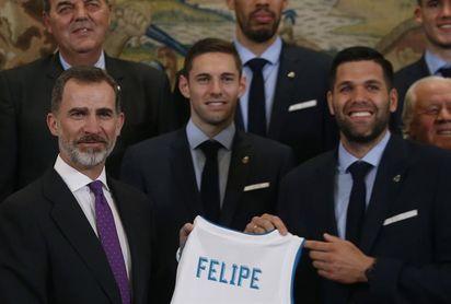 El Rey felicita en Zarzuela al Real Madrid como campeón europeo de baloncesto