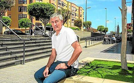 Quique Setién disfruta de unos días de vacaciones en Las Palmas.