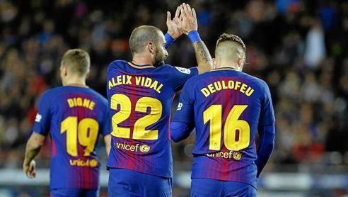Aleix Vidal vacía su taquilla del Camp Nou