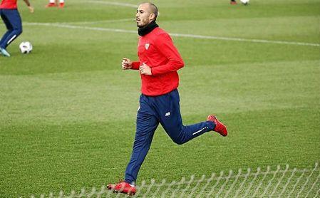 Guido Pizarro durante un entrenamiento del Sevilla.