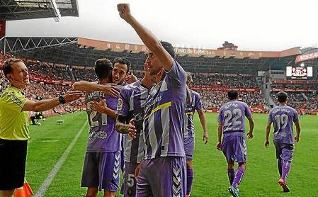Mata celebra el primer gol del Valladolid en El Molinón.