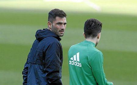 Adán maneja varias ofertas, incluso superiores en lo económico a la del Sporting.