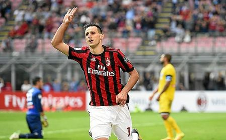 Pese a golear en la Fiorentina, a Kalinic no le ha ido bien en el AC Milan.