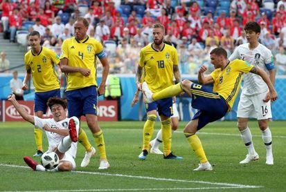 Suecia se impone por 1-0 a Corea gracias a un penalti señalado por el VAR