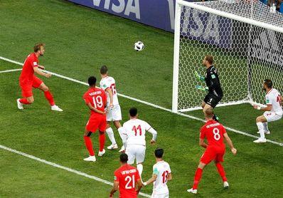 1-2. Kane rescata a Inglaterra con dos remates, el último en el descuento