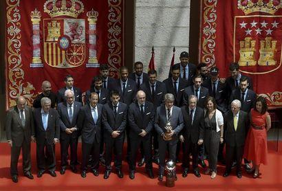 El Real Madrid Ofrece El T Tulo Liguero En La Sede De La