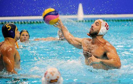 8-10. España cae con Montenegro y peleará por el bronce