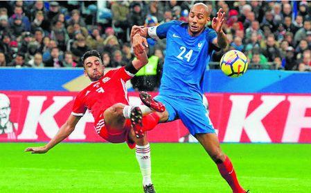 Steven Nzonzi podría salir de inicio en el choque contra la Dinamarca de Simon Kjaer.