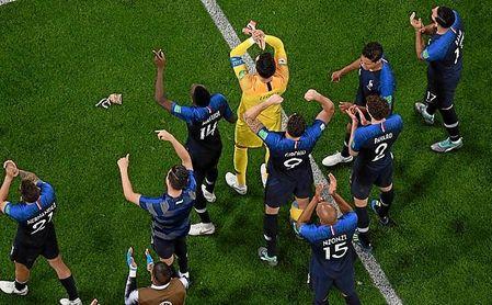 1-0: Un cabezazo de Umtiti vale una final