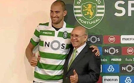 Imagen de la presentación de Dost como ´nuevo´ jugador del Sporting, en la mañana de este sábado.