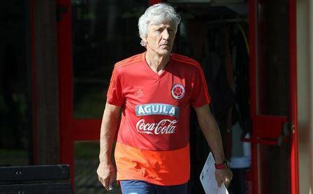Batistuta le aconseja a Pekerman que rechace ser seleccionador de Argentina