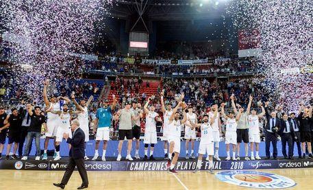 El Real Madrid empieza la defensa del título contra el Iberostar Tenerife
