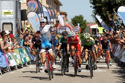 Moschetti se impone al esprint en Castrojeriz en la segunda etapa