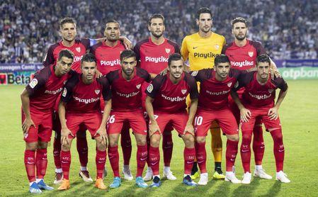XI inicial del partido que enfrentó al Sevilla con el Újpest.