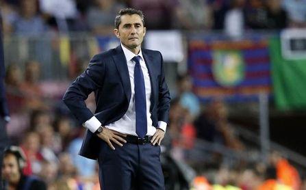 Ernesto Valverde, entrenador del FC Barcelona, ensaya su XI de cara a la Supercopa.