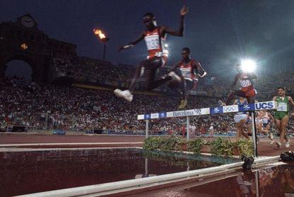 El dominio keniano en 3.000 m obstáculos comenzó en México con Amos Biwott