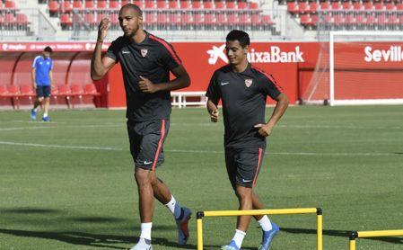 Nzonzi en un entrenamiento reciente, con Ben Yedder.