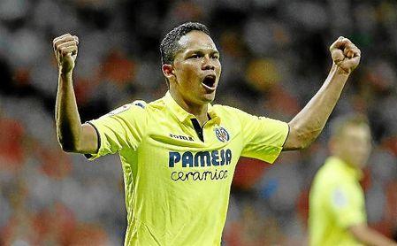 Bacca celebra un gol con el Villarreal durante la temporada pasada.