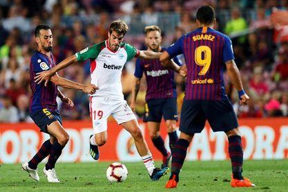 3-0. El Barcelona, liderado por Messi, debuta con un triunfo ante el Alavés