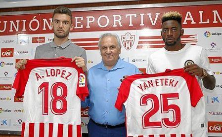 Andoni López y Yan Eteki han sido presentados este jueves.
