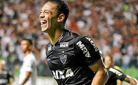 Sólo Gabigol y Pedro llevan más tantos que Oliveira en el Brasileirao.